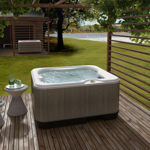 built-in hot tub / above-ground / rectangular / 3-seater