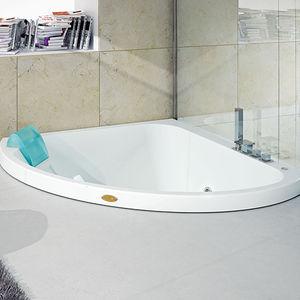 corner bathtub