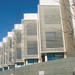 sliding shutters / aluminum / for facades / louvered