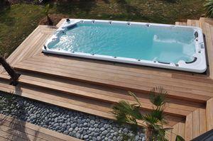built-in swim spa / 4-seater