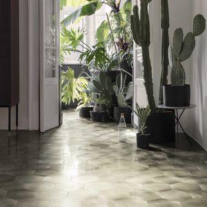 indoor tile / wall / floor / metal
