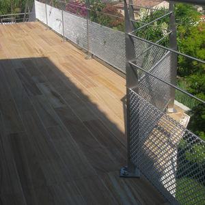 wire interior fitting mesh
