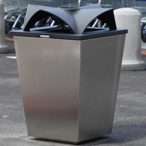 public trash can / steel / recycling / contemporary