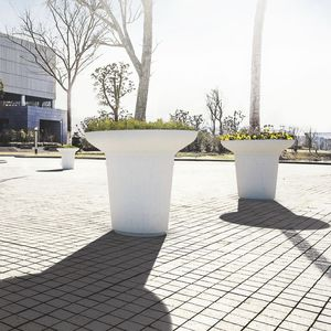 wooden planter / stone / round / contemporary