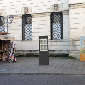 display totem / for public spaces