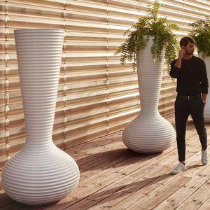 polyethylene flower pot