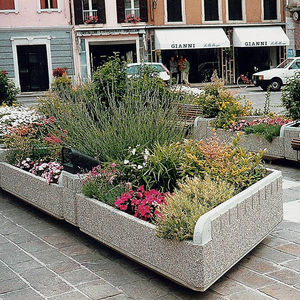 concrete planter / triangular / with integrated bench / contemporary