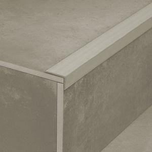 polymer stair nosing / non-slip