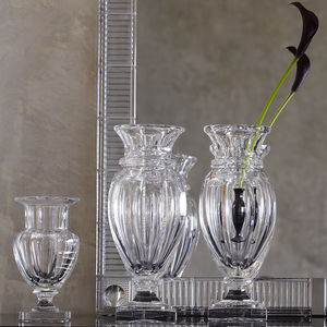 traditional vase / crystal