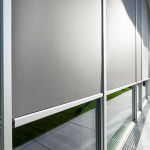 roller blinds / fabric / sun protection / motorized