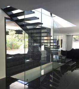 quarter-turn staircase / steel frame / glass frame / oak steps