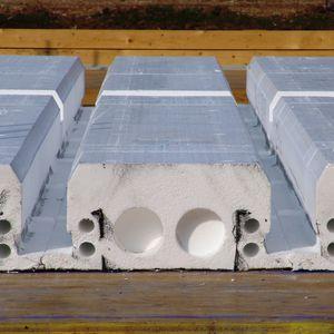 polystyrene formwork block / concrete / wall / for prefabricated floor