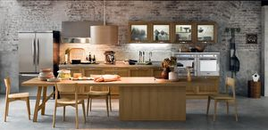 traditional kitchen / oak / glass / stainless steel