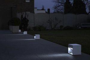 urban bollard light / contemporary / metal / LED