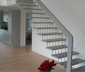 straight staircase / metal frame / wooden steps / without risers