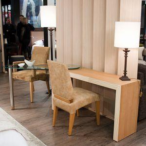 multimedia desk / oak / wood veneer / tempered glass