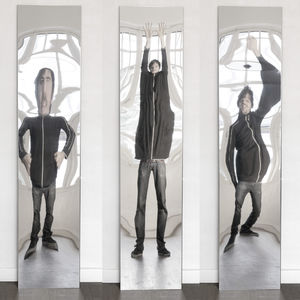 table mirror / wall-mounted / distorting / contemporary