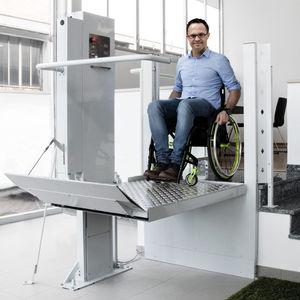 handicapped lifting platform