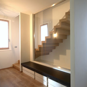 straight staircase / quarter-turn / metal frame / wooden steps