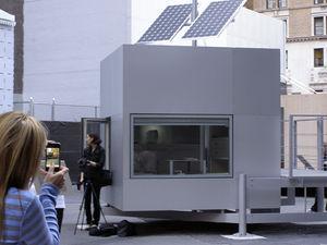 prefab micro-house / modular / contemporary / energy-efficient