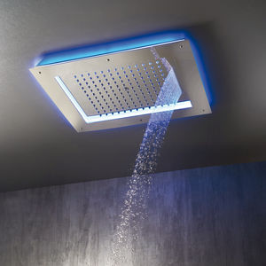shower head with chromotherapy