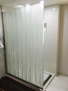 swing shower screen / fixed / illuminated