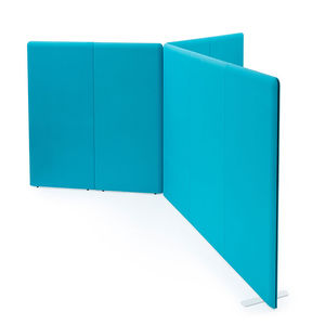 floor-mounted office divider / fabric / soundproofed