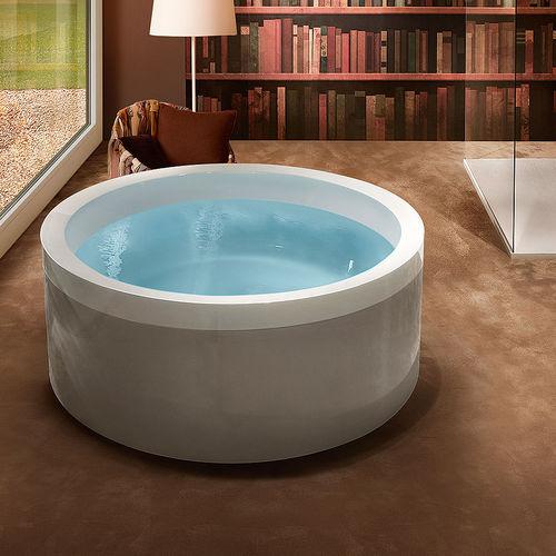 free-standing bathtub / round / acrylic / hydromassage