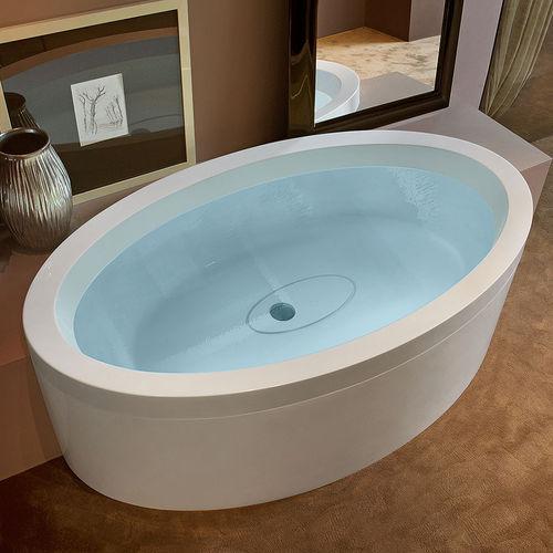 oval bathtub / acrylic / hydromassage / by Marc Sadler