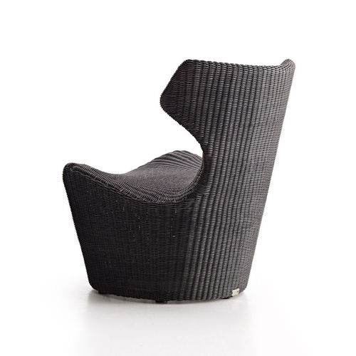 contemporary fireside chair / polyethylene / by Naoto Fukasawa / garden