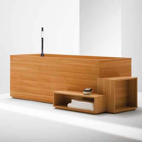 free-standing bathtub / oval / fiberglass / wooden
