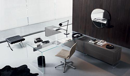 multimedia desk