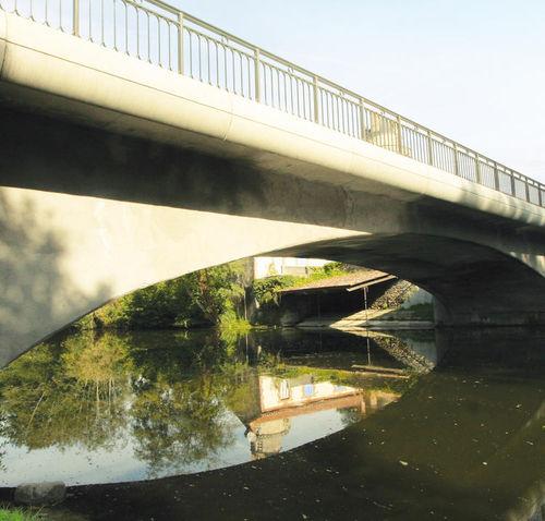 reinforced concrete cornice