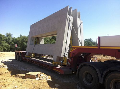 concrete wall / prefab / with modular panels