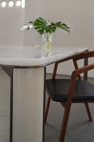 contemporary dining table - mg12