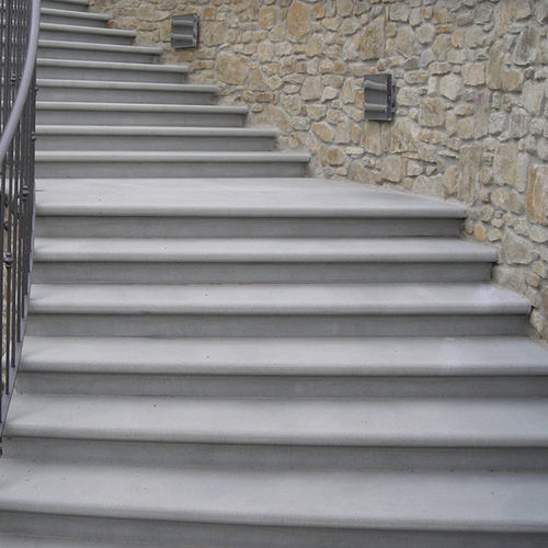 straight staircase / circular / stone steps / with risers