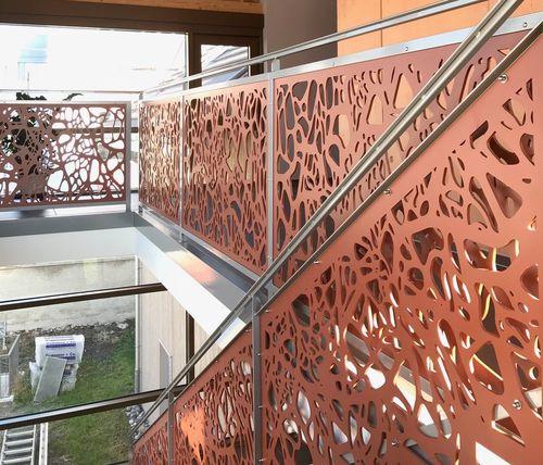 balcony with panels / HPL