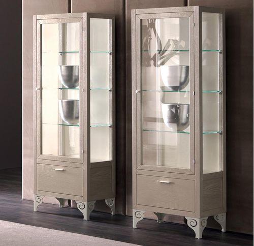 traditional display case / solid wood / wood veneer / tempered glass