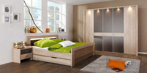 double bed / contemporary / wooden / 160x200 cm