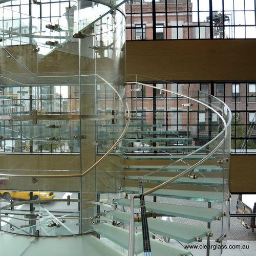 glass step / non-slip / high-resistance / prefab