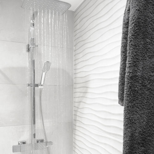 wall-mounted shower set - Grifería Clever