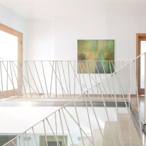 metal railing / with bars / indoor / for stairs