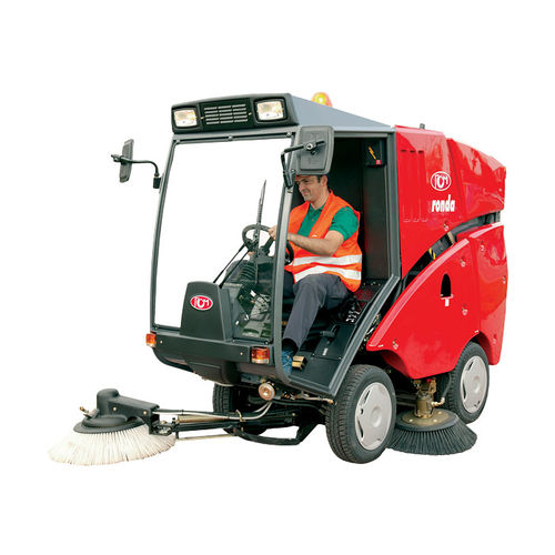 ride-on sweeping machine / street
