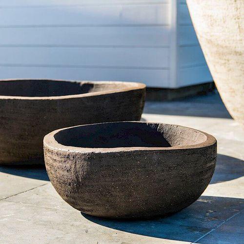 terracotta garden pot / free-standing / round