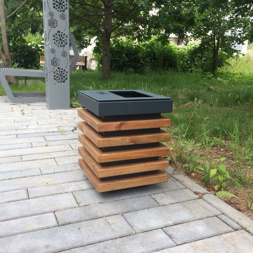 public trash can / galvanized steel / powder-coated steel / pine