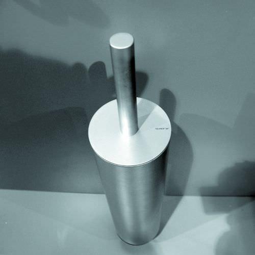 metal toilet brush / floor