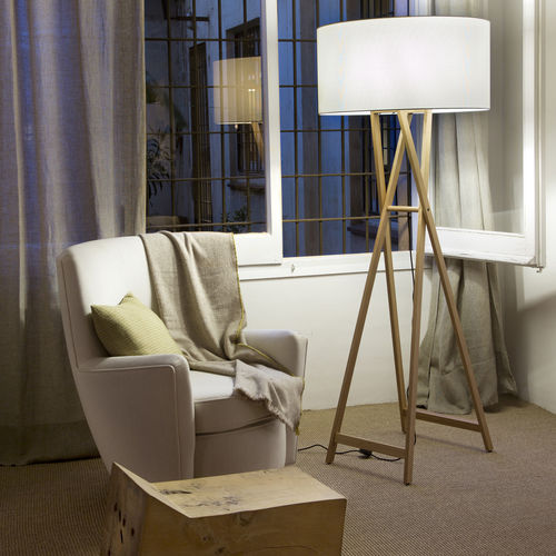 floor-standing lamp / contemporary / oak / polyester