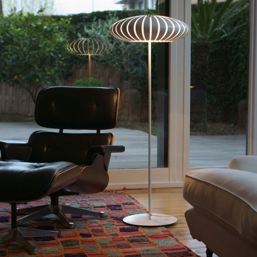 floor-standing lamp / contemporary / chromed metal / polycarbonate