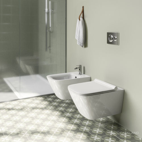 wall-hung toilet / ceramic / rimless