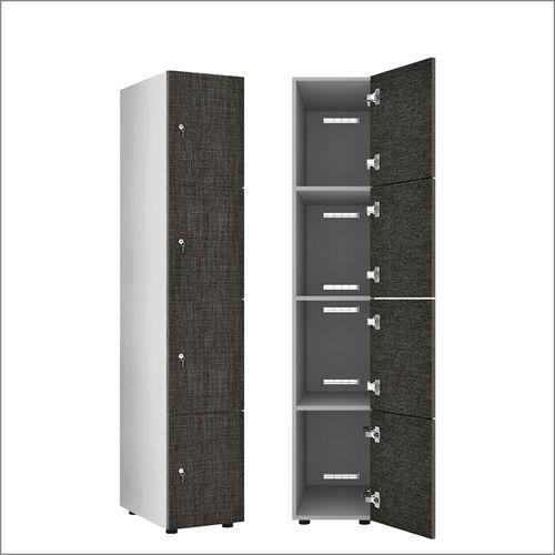 standard left-luggage locker / secure
